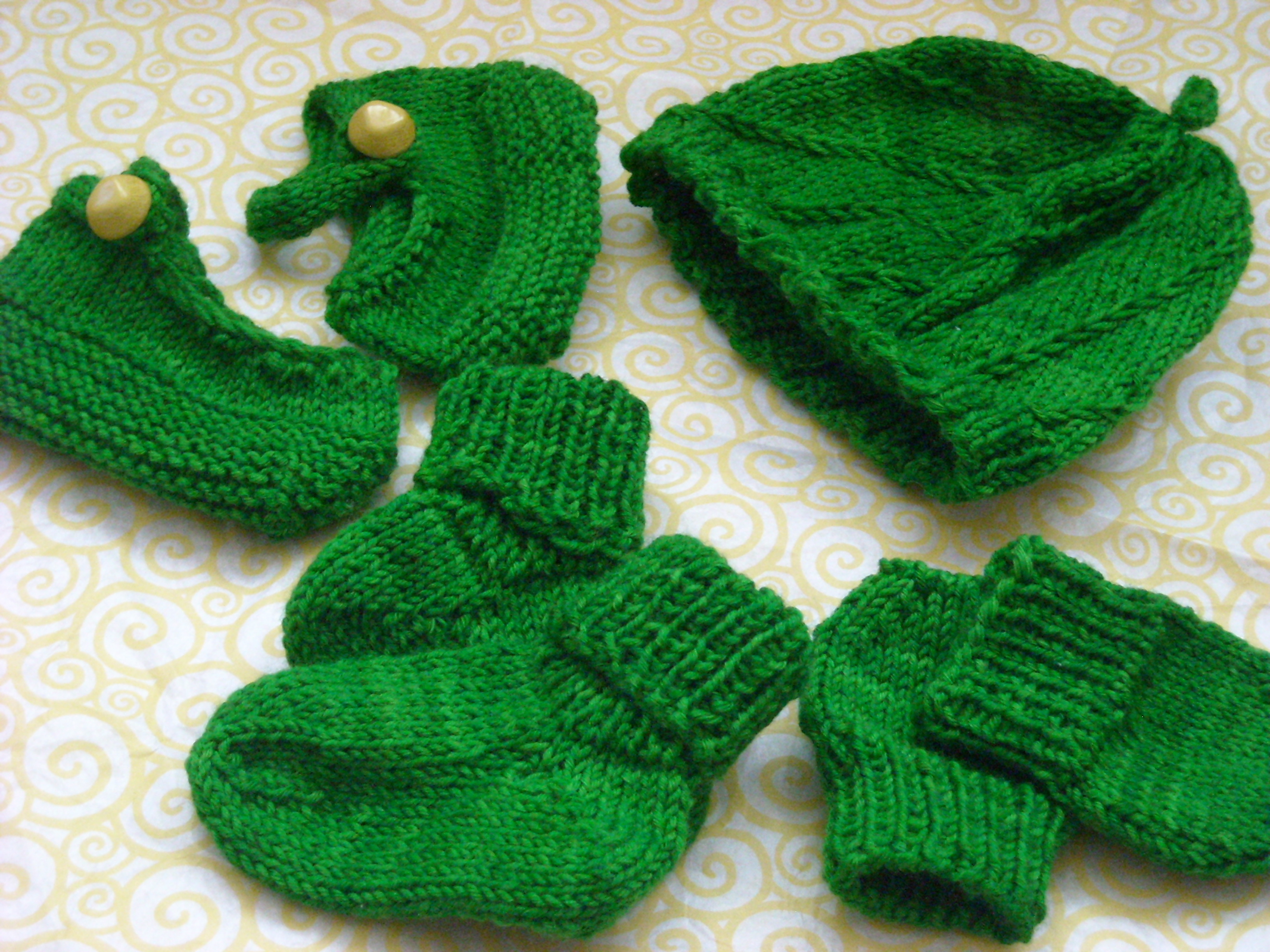 Little Pea Socks And Mittens Loumms